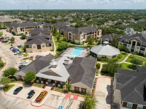 Apartments For Rent in Katy, TX - Aerial View of Leasing Office, Clubhouse and Community
